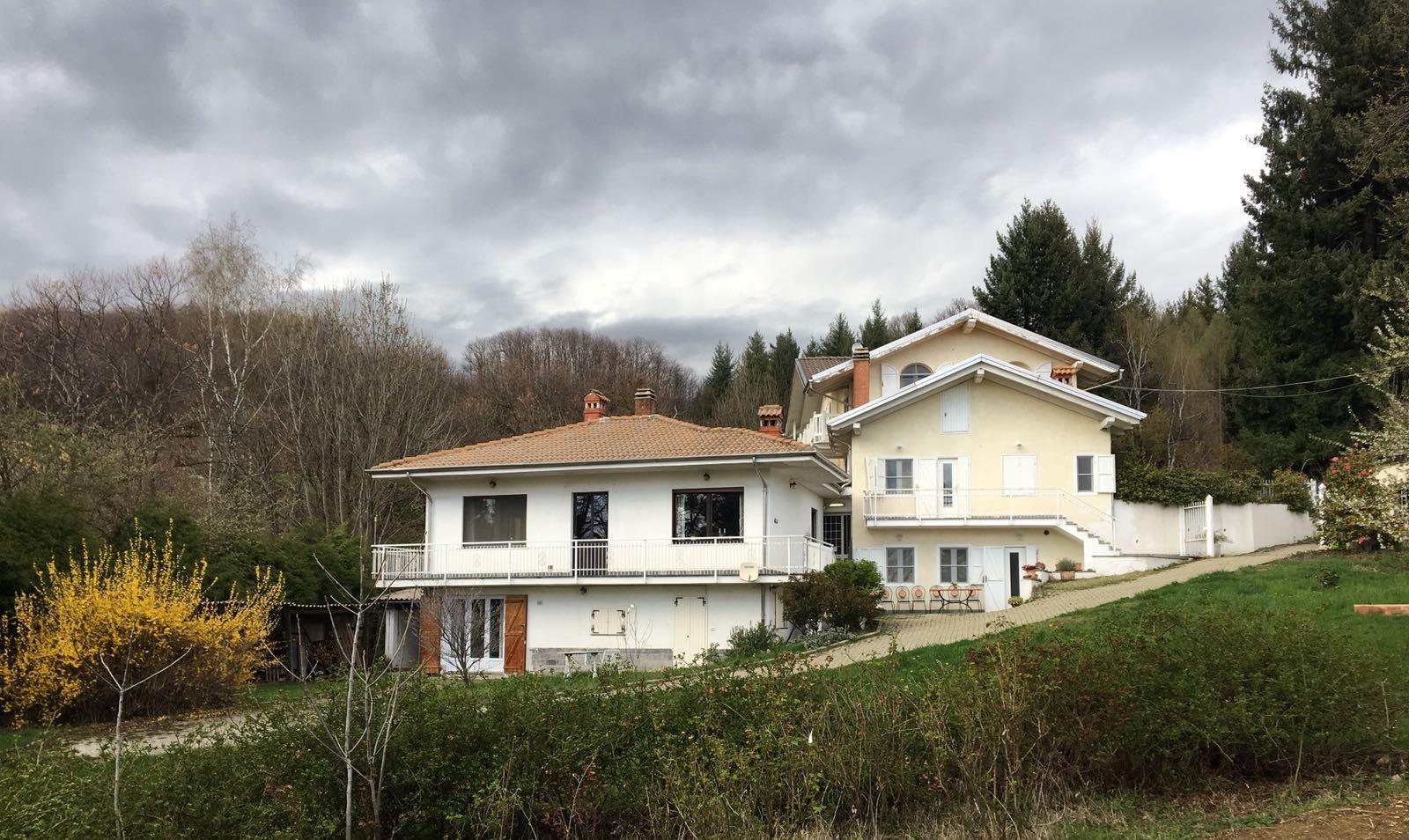 Mainhouses